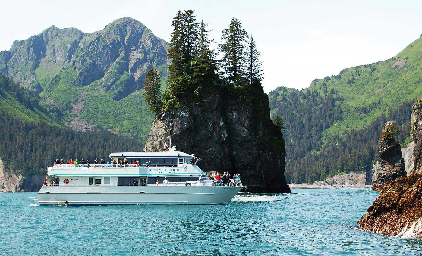 Travel deep into Kenai Fjords with the Northwestern Fjord Tour