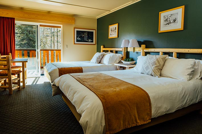 RM-Seward-Windsong-Lodge-Queen-Beds