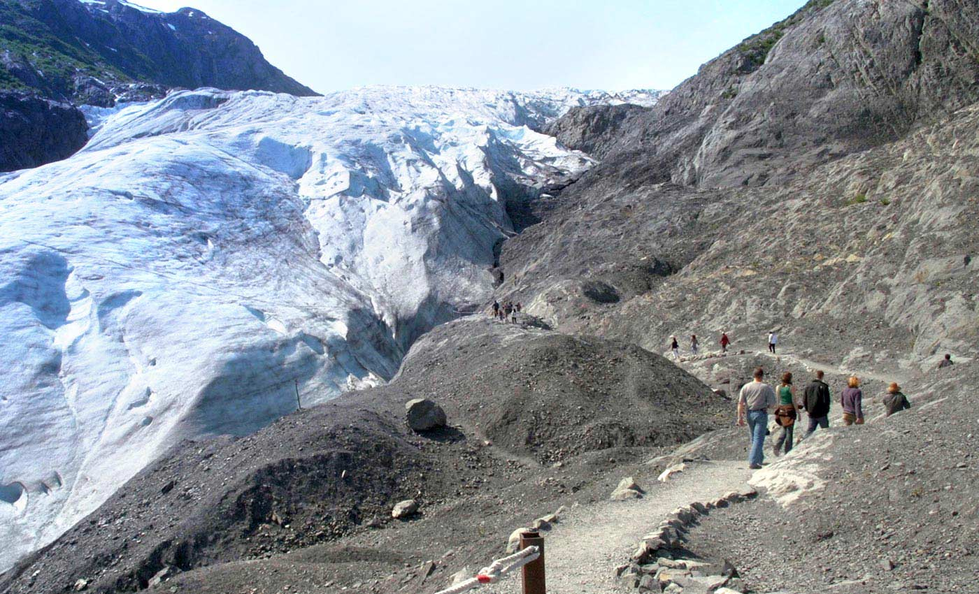 Discover an ancient glacier
